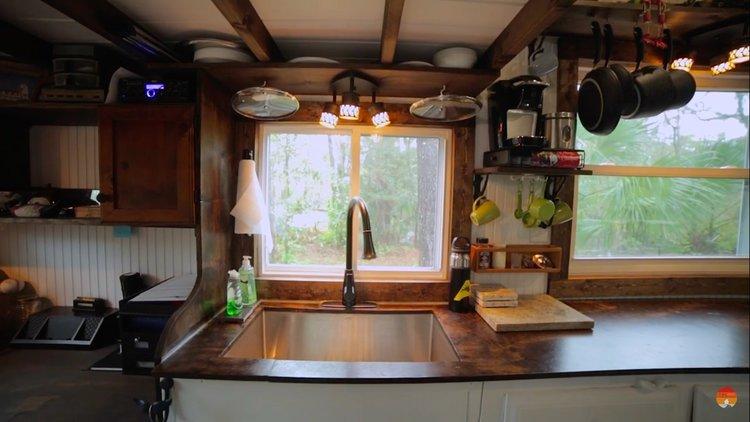 tiny+house+interior+kitchen