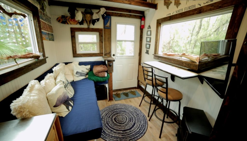 Rolling Quarters tiny house - click to see more!