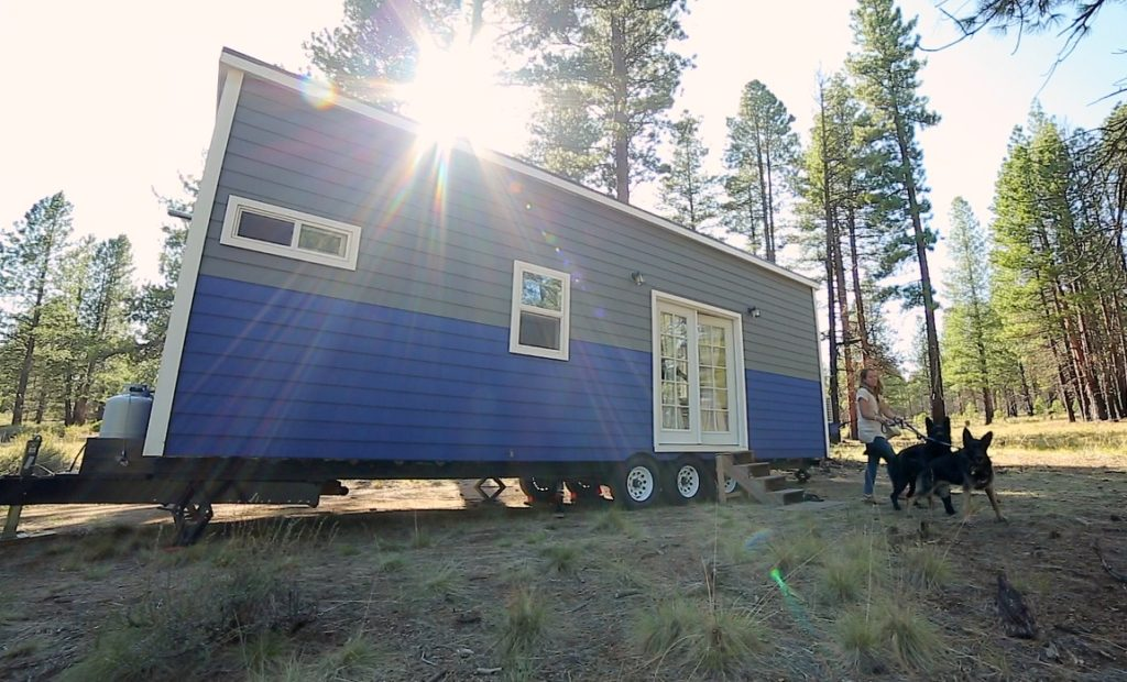 Couple's Off-Grid Tiny House Life on the Road as Digital Nomads - click to watch!